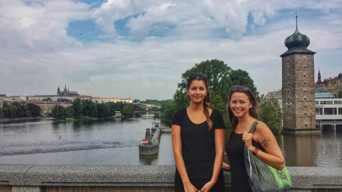 tips for female backpackers and solo female travel