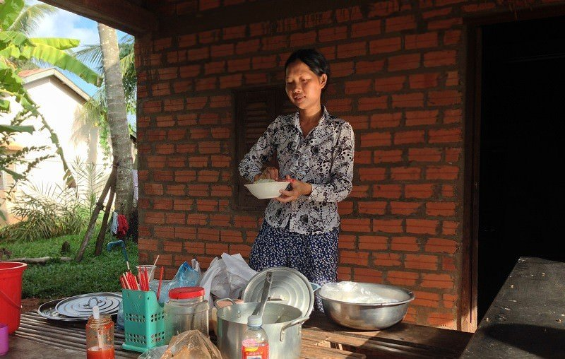 Cambodian Rice Farmer - Making Noodles
