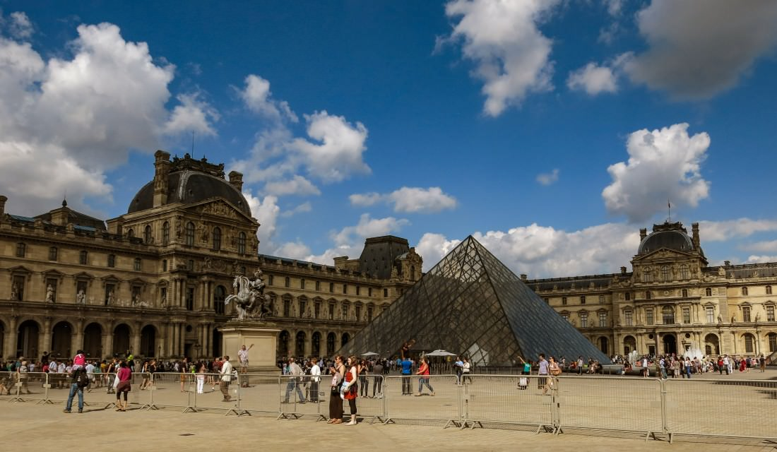 The Louvre - Paris on a backpacking budget