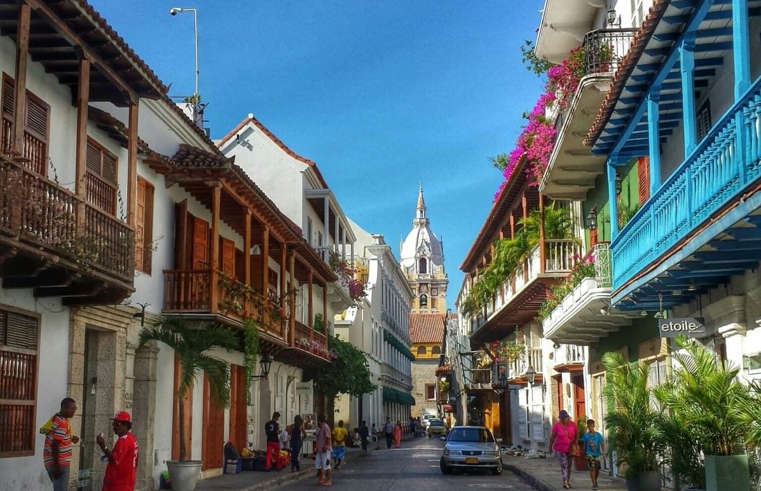backpacking cartagena colombia