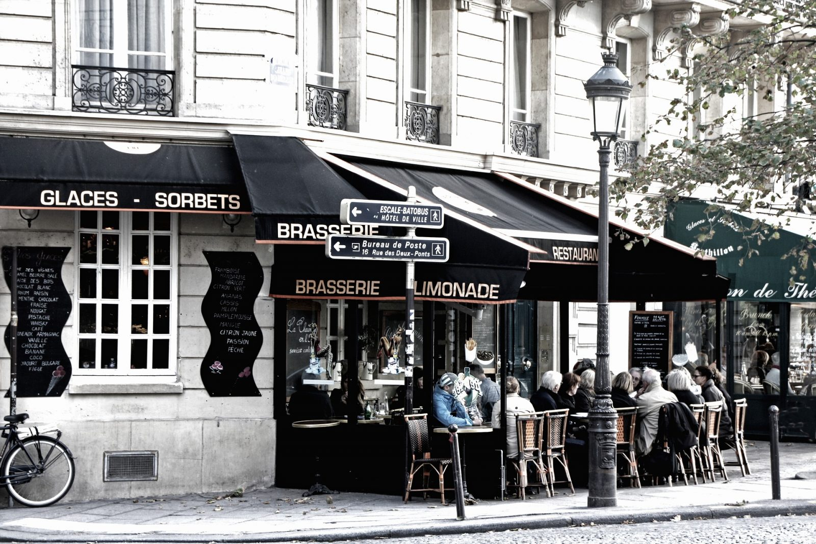Eating Out in Paris on a Budget
