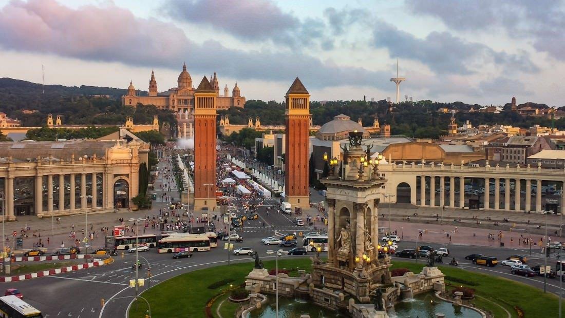 placa de espanya best hostels in barcelona