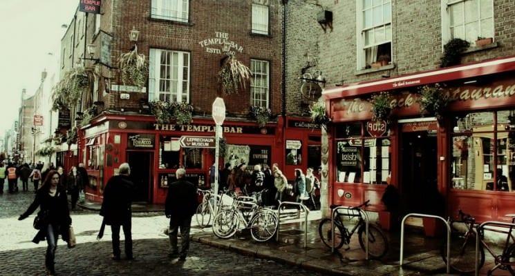 temple bar in Dublin things to do in dublin