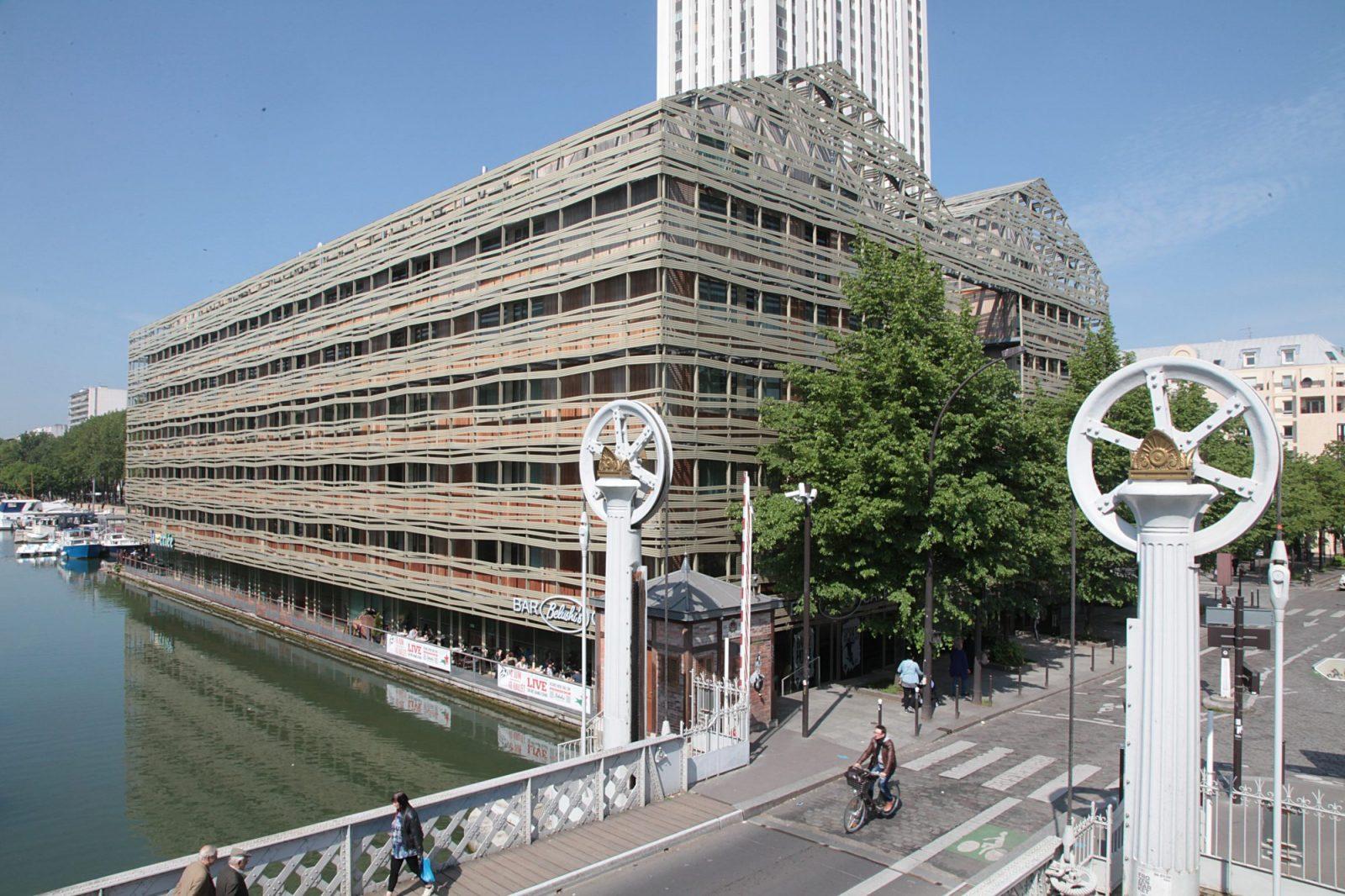 the best hostels in paris