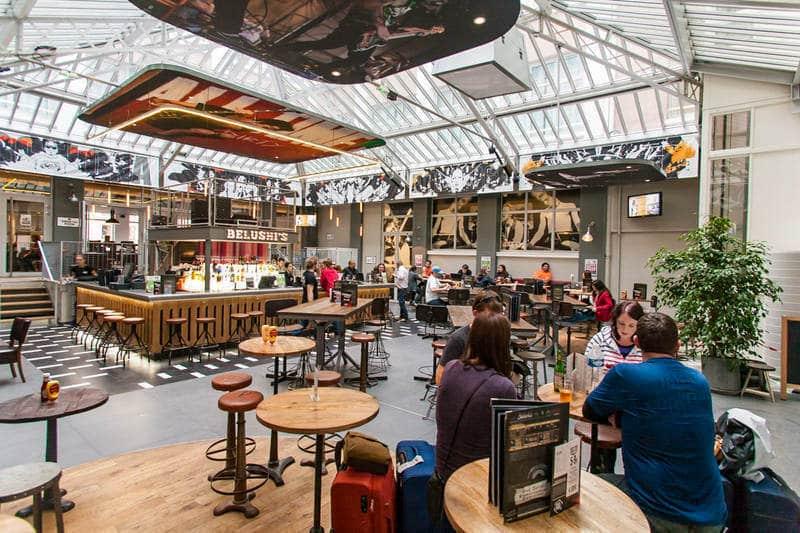 belushi's bar, best hostels in paris