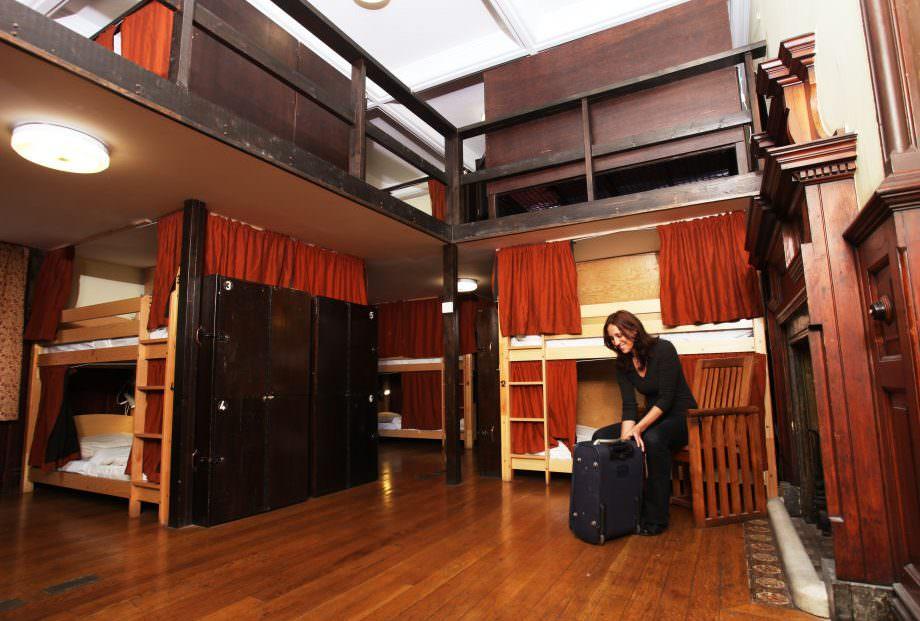 backpacking in london - best hostels in london