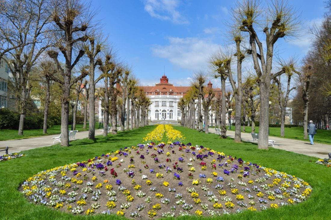 Elizabeth Spa V and Flower Park Karlovy Vary