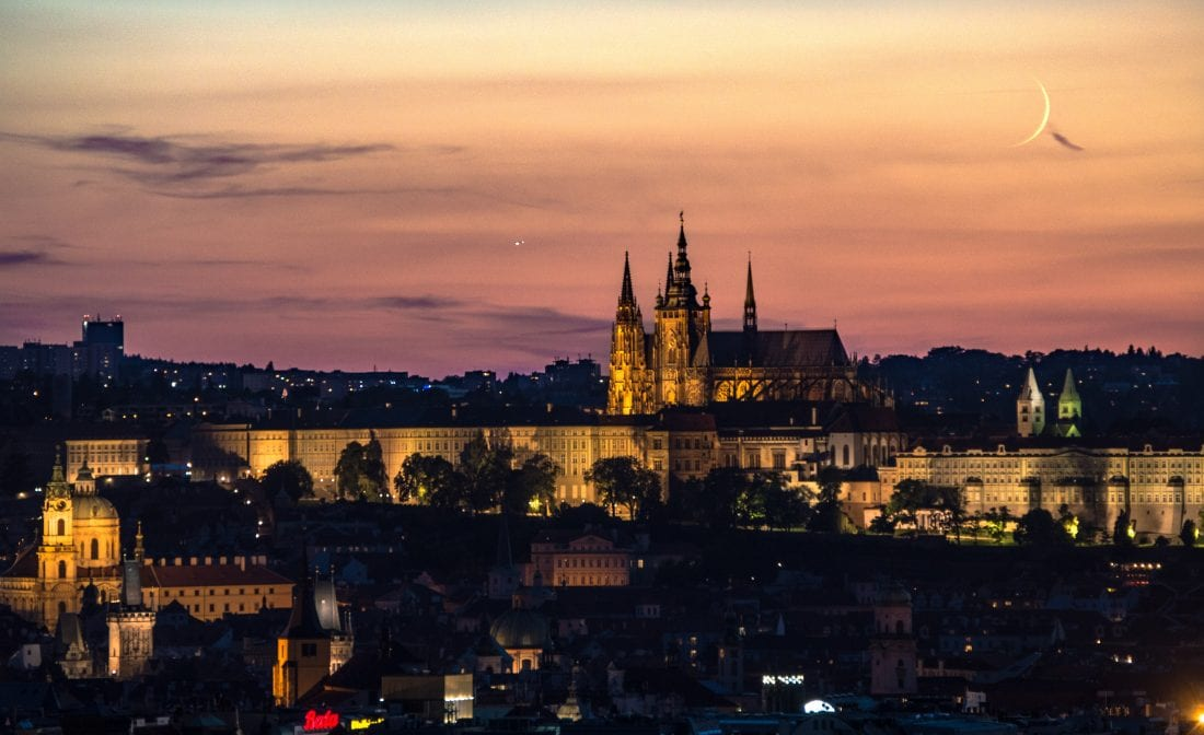Prague Castle twilight, these photos will make you want to move to Prague