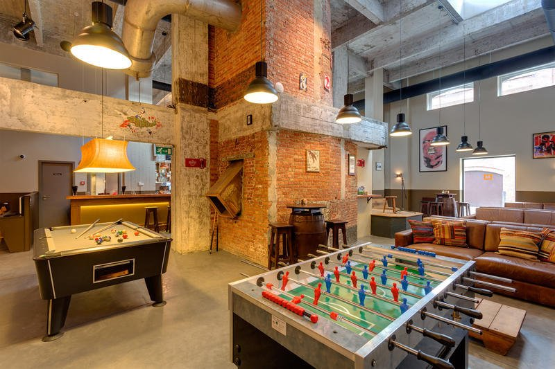 Backpacking europe the best hostels in brussels just a for Top design hotels belgium