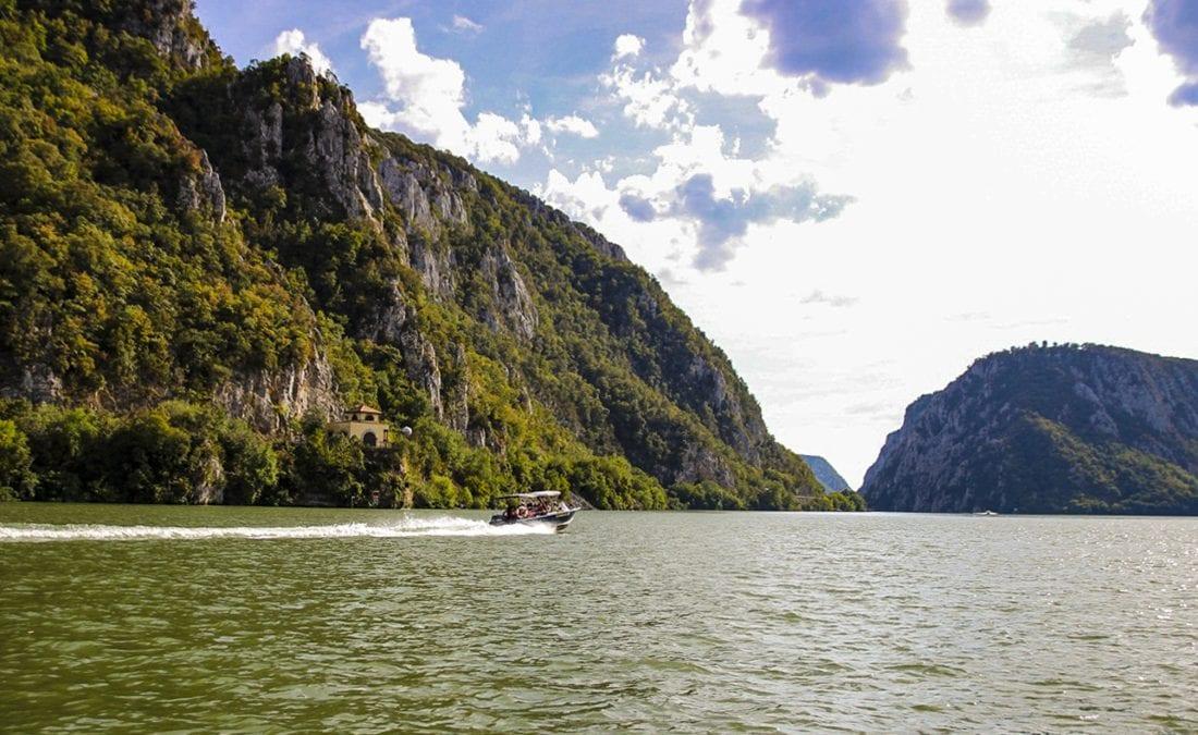 3-boat-trip-big-kazan-gorge-2