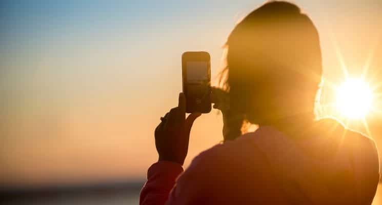 best travel apps for female travelers