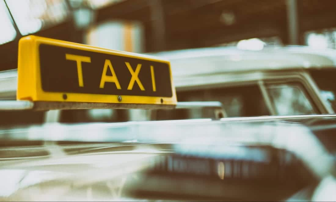 Best Taxi Apps for Female Travelers