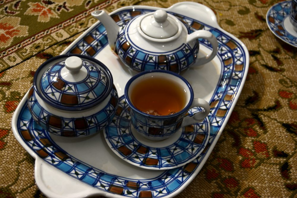 things you might not know about iran, tea in yazd iran