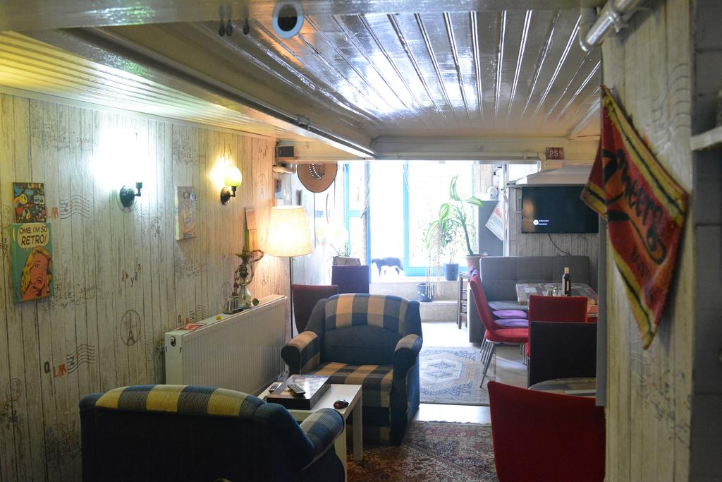 most popular hostels in istanbul