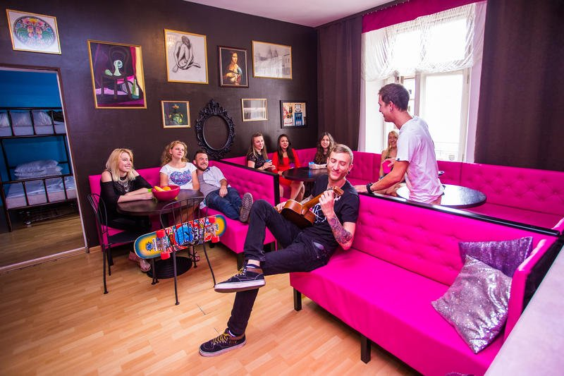 best hostels in krakow, pink panther hostel