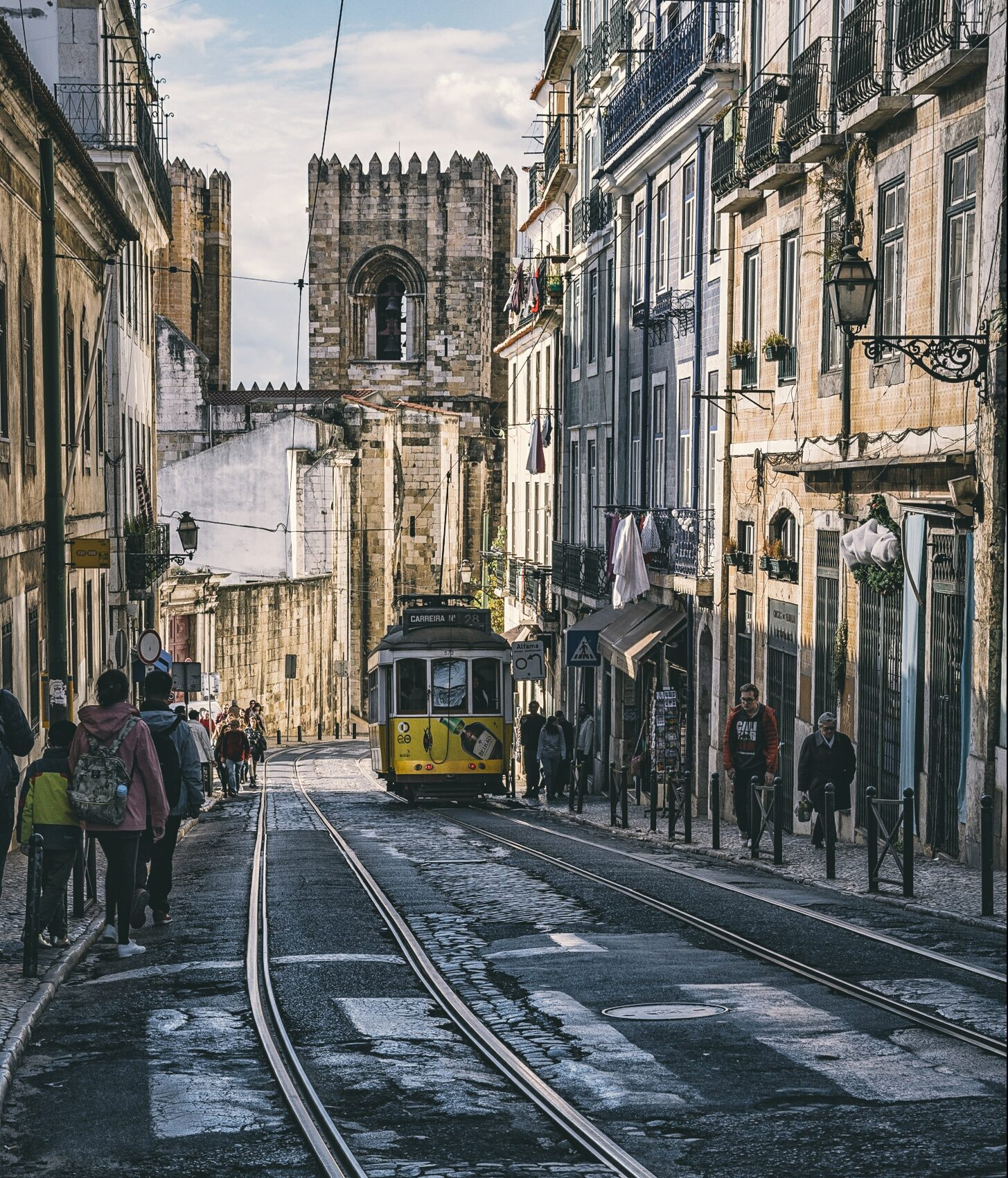 thing to do in lisbon, walk the hilly streets of Alfama lisbon