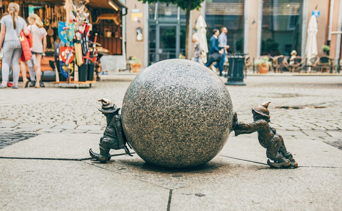 find all the gnomes in wroclaw