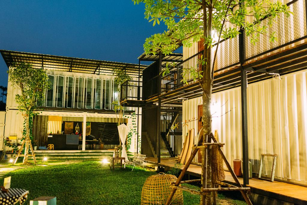 Yard Hostel Bangkok