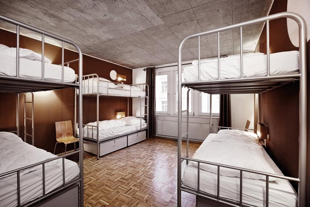 the best hostels in frankfurt just a pack. Black Bedroom Furniture Sets. Home Design Ideas