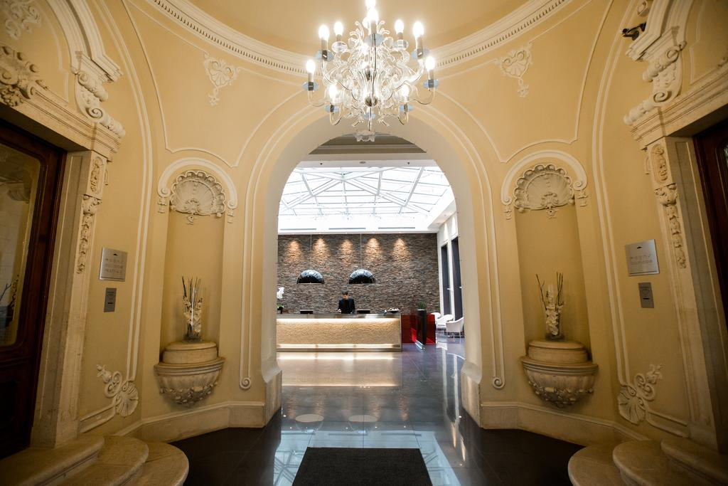 best boutique hotels in budapest Hotel Palazzo Zichy Budapest