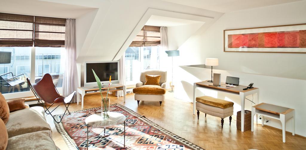 best boutique hotels in munich just a pack. Black Bedroom Furniture Sets. Home Design Ideas