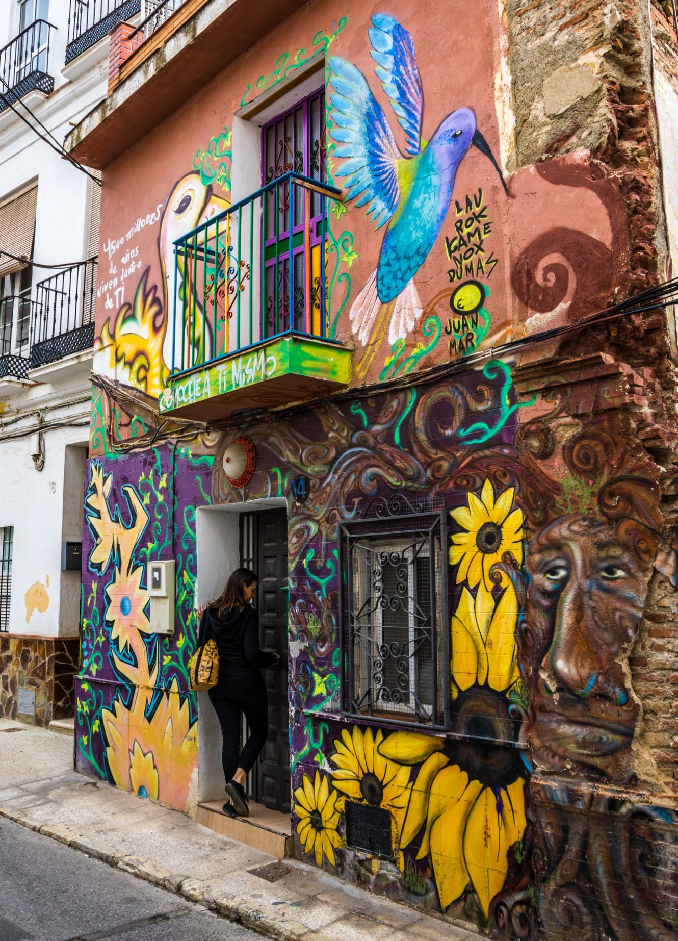 thing to do in Malaga, uncover amazing street art in Malaga