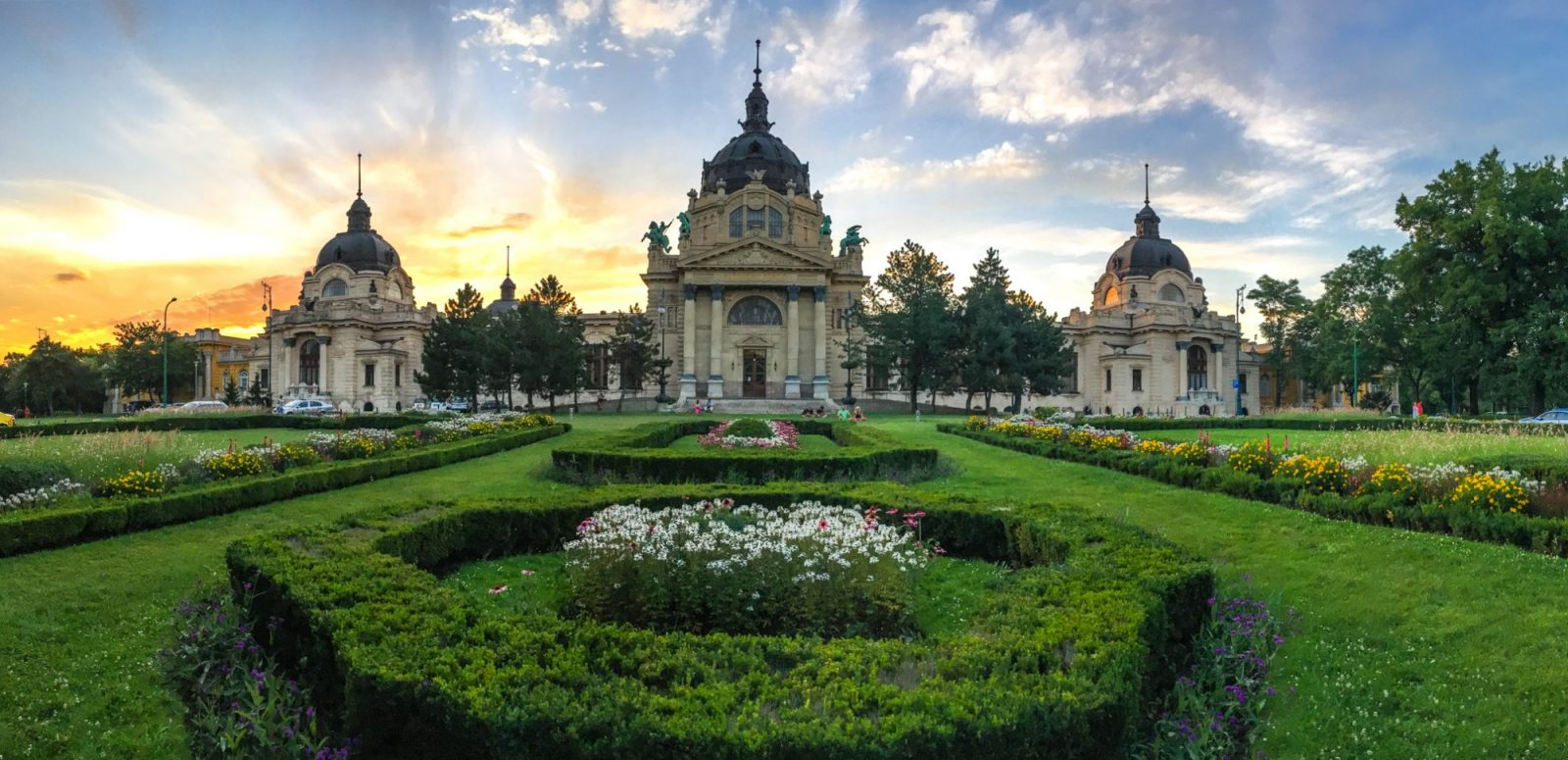 most beautiful thermal bath in budapest