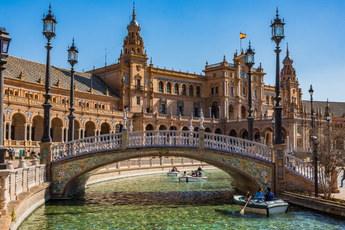 the best hostels in Seville, Spain