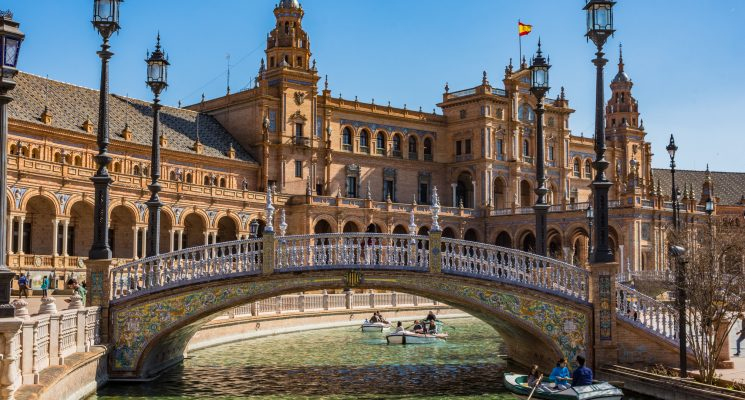 the best hostels in Seville, Spain