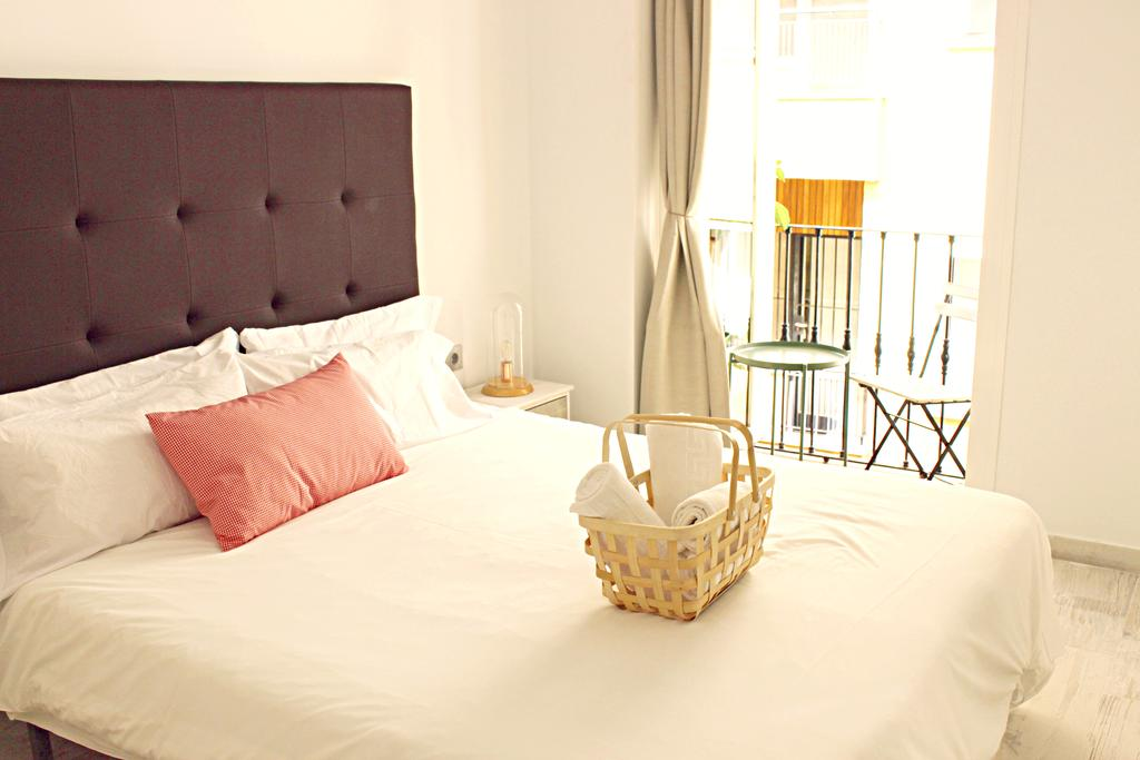 the best hostels in Malaga - picnic dreams hostel malaga
