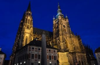 Explore Prague Castle - things to do in prague for a first time visitor