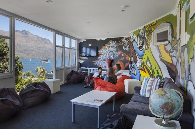 the best hostels in queenstown