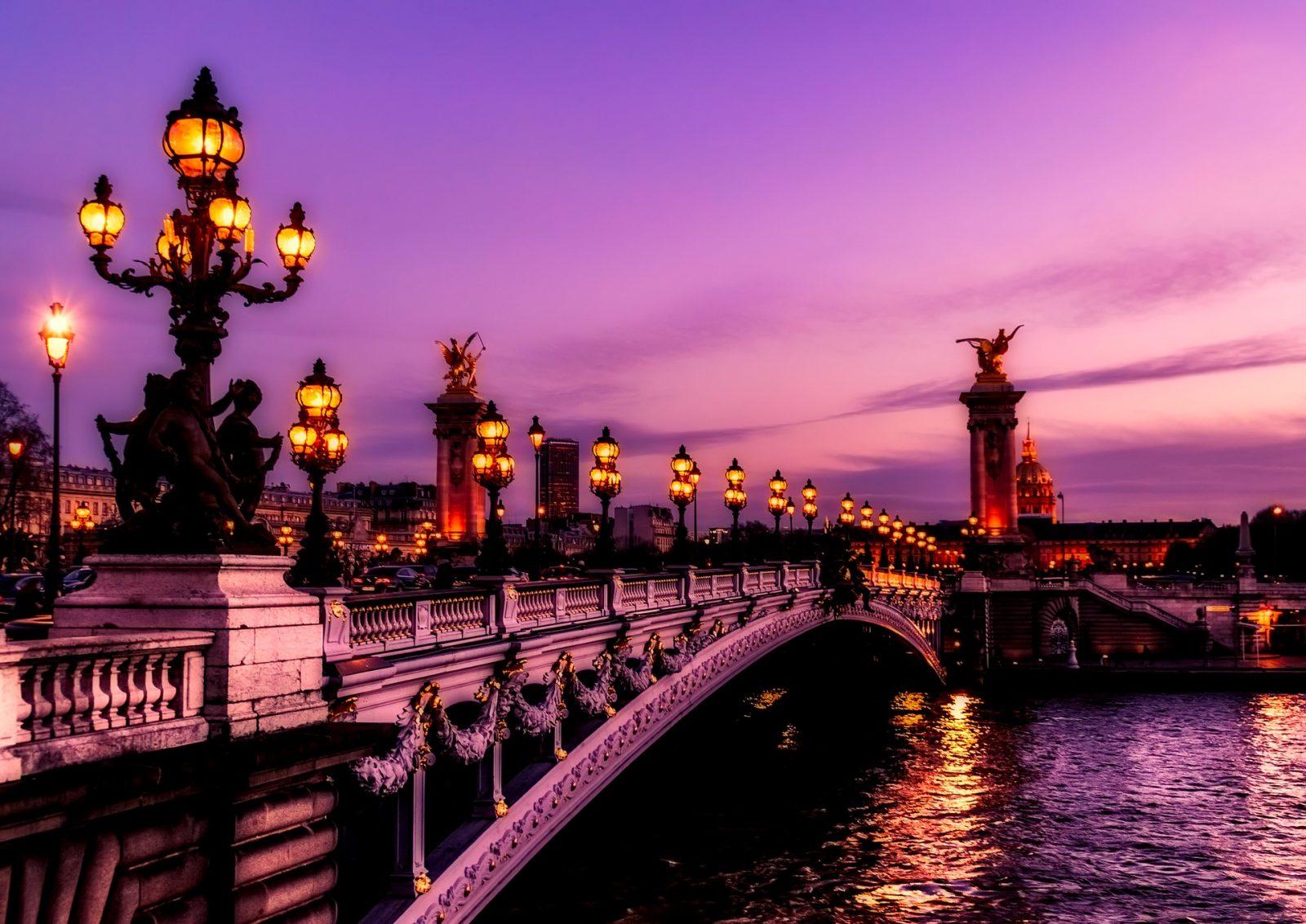 Stunning Bridges of Paris