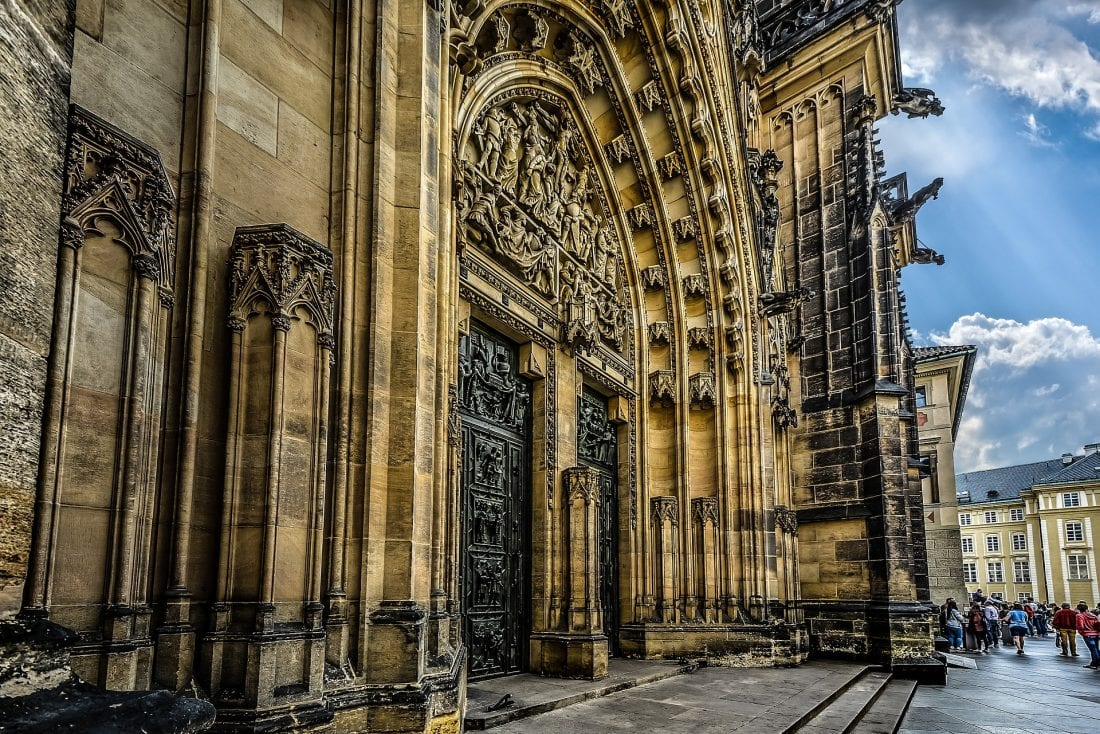 things to do in prague - visiting prague castle