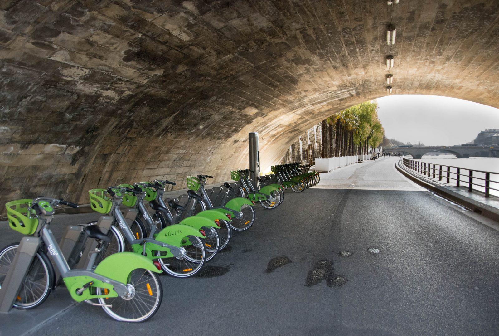 getting around Paris on ebike