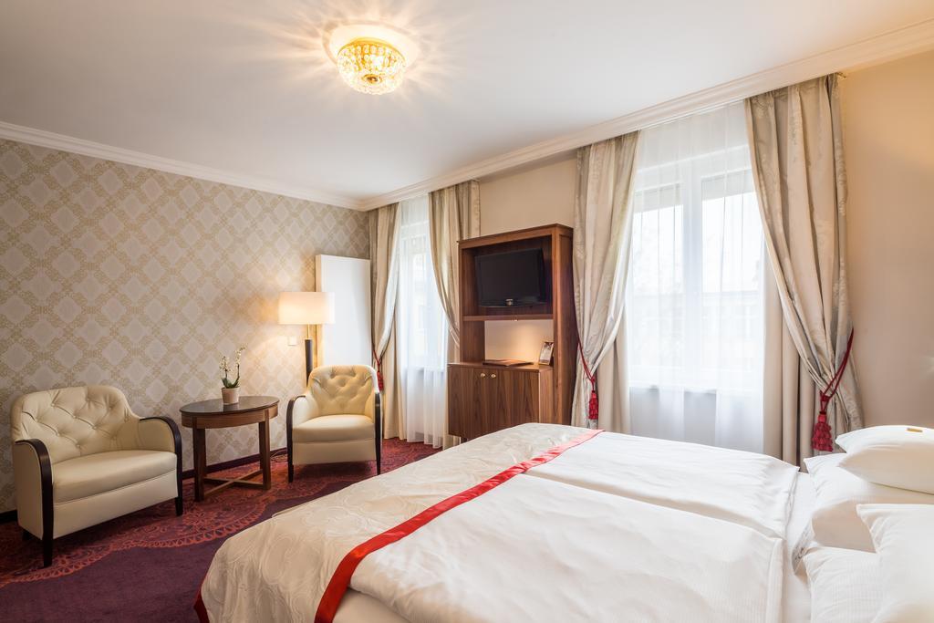best hotels in Vienna hotel stefanie vienna