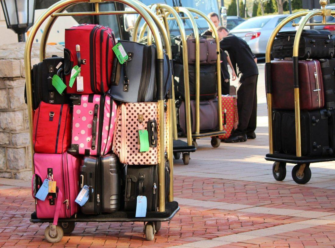 airbnb luggage storage