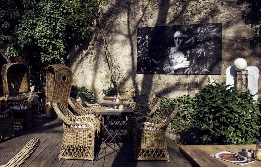 styl interier cafe prague