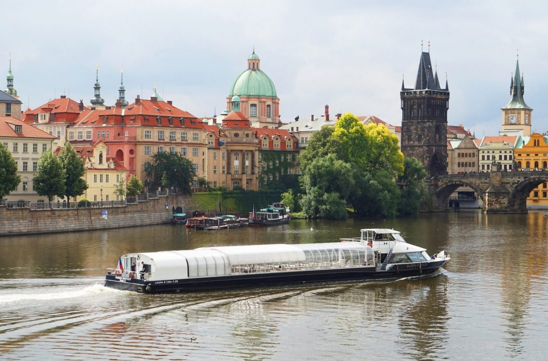 Crystal Dinner Prague Cruise