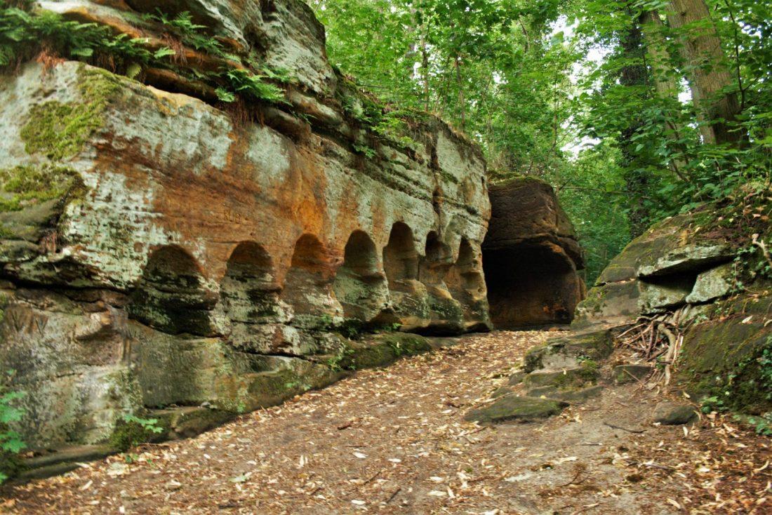 Vinor Rock formation - hiking near Prague