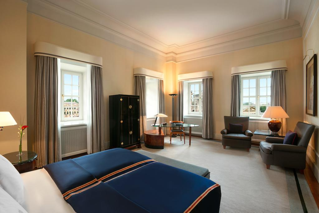 Hotel Taschenbergpalais Kempinski where to stay dresden