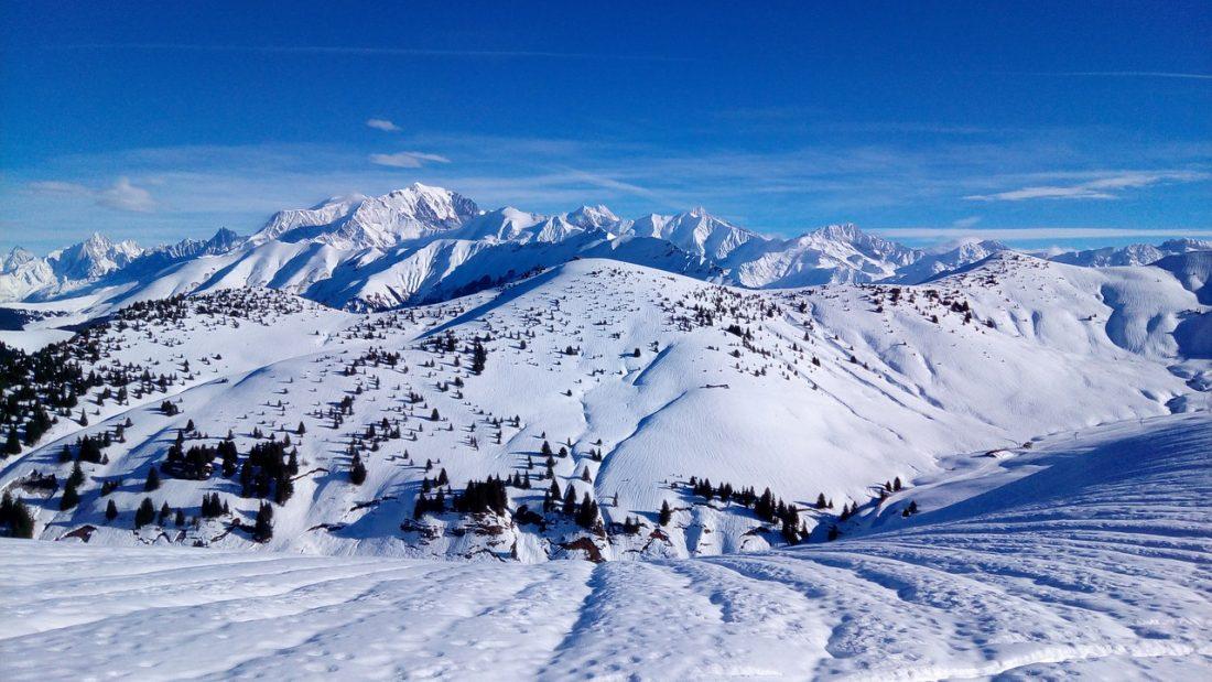 Les Portes du Soleil Mont Blanc from afar Pixabay