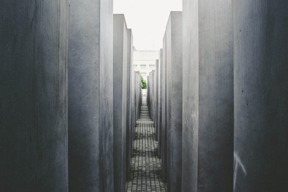 things to do berlin holocaust memorial