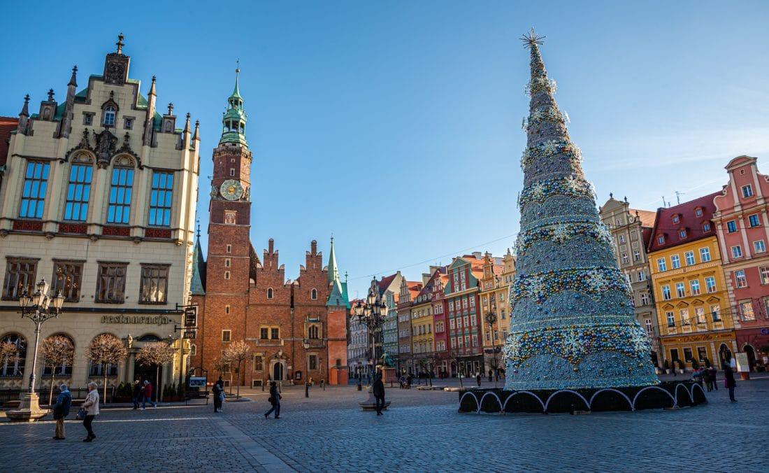 wroclaw rynek market square christmas tree